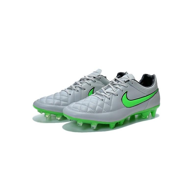 wholesale dealer 48542 85baa Chaussure de Football Nike Tiempo Legend V FG Pas Cher Gris Loup Vert Noir