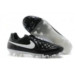 Chaussure de Football Nike Tiempo Legend V FG Pas Cher Noir Blanc